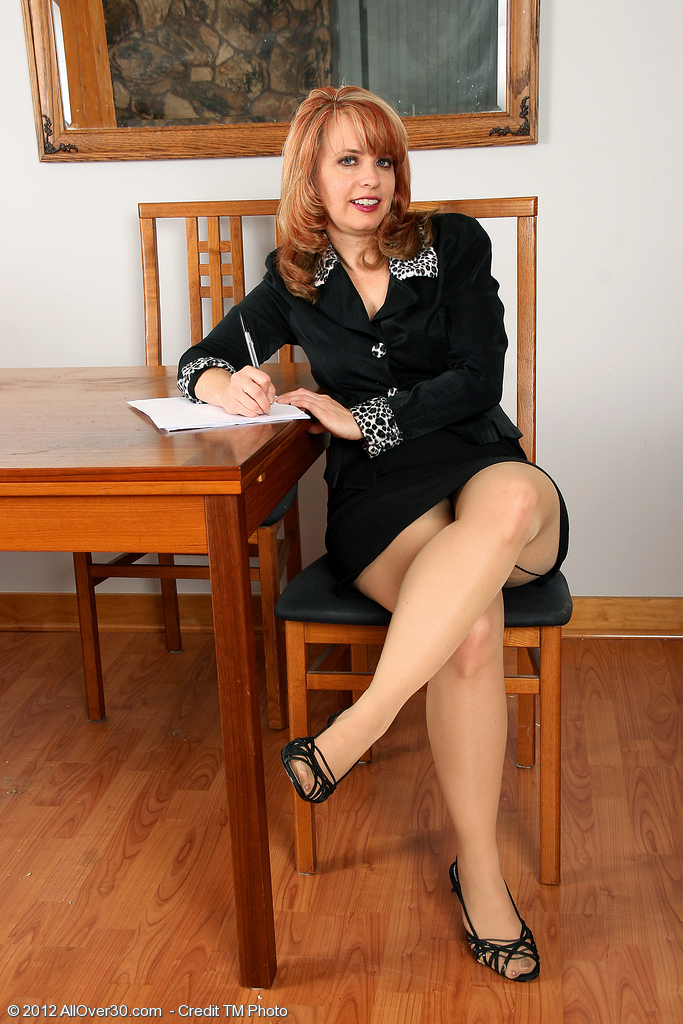 Redheaded Office  Mom Pandora Jones from  Milfs30 Getting  Hot