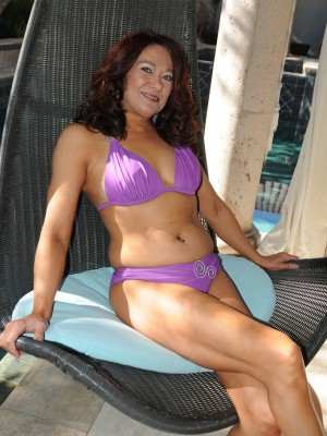 52 Year Old Renee Ebony  Opening Up Her Gams Found on the Backyard Deck