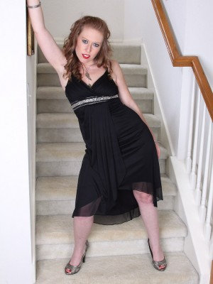 Elegant  Blond Haired 31 Yr Old Amber Carlisle Gets Nude About the Stairs