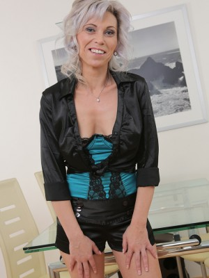 39 Year Old Kathy White from  Milfs30 Squatting on Her Behalf Behalf Rubber Friend
