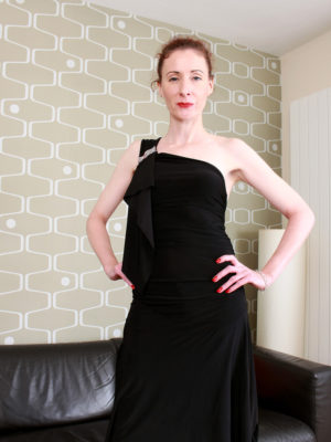 Skinny Remarkable Scarlet Louise Shows off
